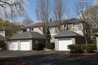 Kentfield Luxury Town Homes Apartments Eugene OR, 97401