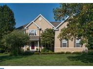 221 Honey Locust Dr Avondale PA, 19311