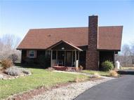 122 Sioux Path Stoystown PA, 15563
