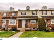 14 Colonial Cir Aston PA, 19014