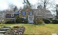 2 Westwoods Rd Great Neck NY, 11020