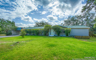 533 Deer Creek Dr E Pipe Creek TX, 78063