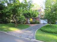 14 Circle Dr Roslyn Heights NY, 11577