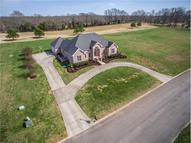 4203 Ironwood Dr Greenbrier TN, 37073