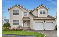 21 Spinnaker Ct East Patchogue NY, 11772