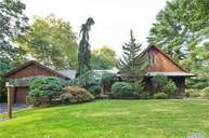 40 S Somerset Dr Great Neck NY, 11020