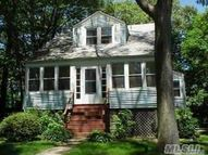 3 Jarvis Ct Huntington NY, 11743
