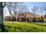 15 Country Lane Cranston RI, 02921