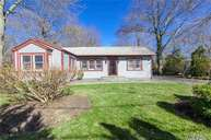430 Birch Hollow Dr Shirley NY, 11967