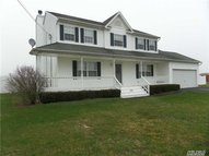332 Twomey Ave Baiting Hollow NY, 11933