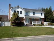 6 Claremont Rd Old Bethpage NY, 11804