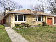 6824 North Mendota Avenue Chicago IL, 60646
