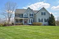 7 Riverview Ct Ringoes NJ, 08551