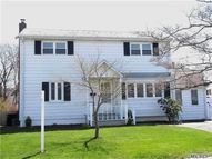 534 17th St West Babylon NY, 11704