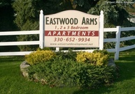 Eastwood Arms Apartments Niles OH, 44446