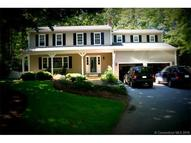 20 Queen Eleanor Dr Gales Ferry CT, 06335