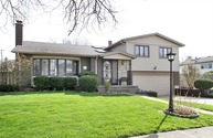 1323 North Columbine Drive Mount Prospect IL, 60056