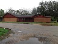 1720 West Sealy St Alvin TX, 77511