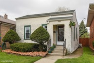 5728 North Merrimac Avenue Chicago IL, 60646