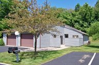 31 Woodspoint North Manchester IN, 46962