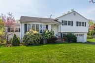 24 Berkley Ct Wayne NJ, 07470