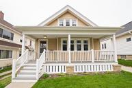 1514 E Beverly Rd Shorewood WI, 53211