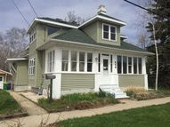 446 Hartung St Green Bay WI, 54302