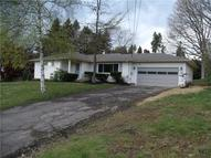 17 E Oakwood Way New Castle PA, 16105