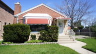 6053 North Tripp Avenue Chicago IL, 60646