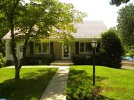 64 Upland Rd Reading PA, 19609