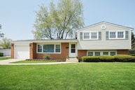 1316 West Plymouth Court Arlington Heights IL, 60004