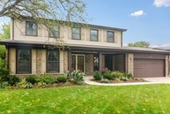 1836 East Peachtree Drive Arlington Heights IL, 60004