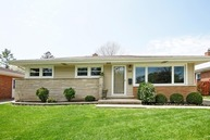 518 North Pine Street Mount Prospect IL, 60056