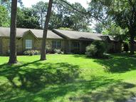 2103 Shadybend Dr Pearland TX, 77581