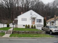 77 Hillside Dr North Haledon NJ, 07508