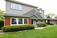 2106 East Park Street Arlington Heights IL, 60004