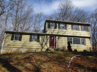 12 Parmalee Hill Rd Newtown CT, 06470