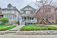 4223 North Winchester Avenue Chicago IL, 60613