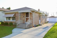 8109 North Overhill Avenue Niles IL, 60714