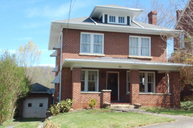 110 Franklin St Bluefield VA, 24605