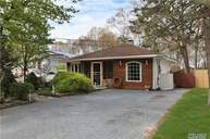 283 W End Ave Shirley NY, 11967