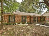 709 Hildred Ave Conroe TX, 77303