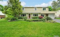 43 Wildwood Ln Roslyn Heights NY, 11577
