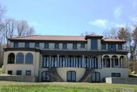 48 Sterling Ln Sands Point NY, 11050