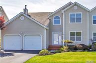 29 Spinnaker Ct East Patchogue NY, 11772