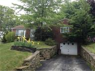 558 Rolling Green Dr Bethel Park PA, 15102