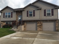 305 Golfview Dr Pleasant Hill MO, 64080