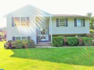 205 Hawthorne Dr North Wales PA, 19454