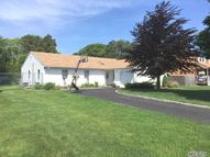 10 Apple Blossom Ln East Patchogue NY, 11772