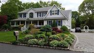 4 Reagan Ct Saint James NY, 11780